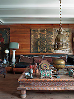 Many of the decorative objects in the apartment hark back to the Ottoman Empire, such as the centrepiece of the coffee table which is a gilded Alem, the minaret top of a mosque
