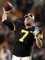 PITTSBURGH, PA - NOVEMBER 06:  Ben Roethlisberger #7 of the Pittsburgh Steelers warms up prior to the game against the Baltimore Ravens on November 6, 2011 at Heinz Field in Pittsburgh, Pennsylvania.  (Photo by Jared Wickerham/Getty Images)