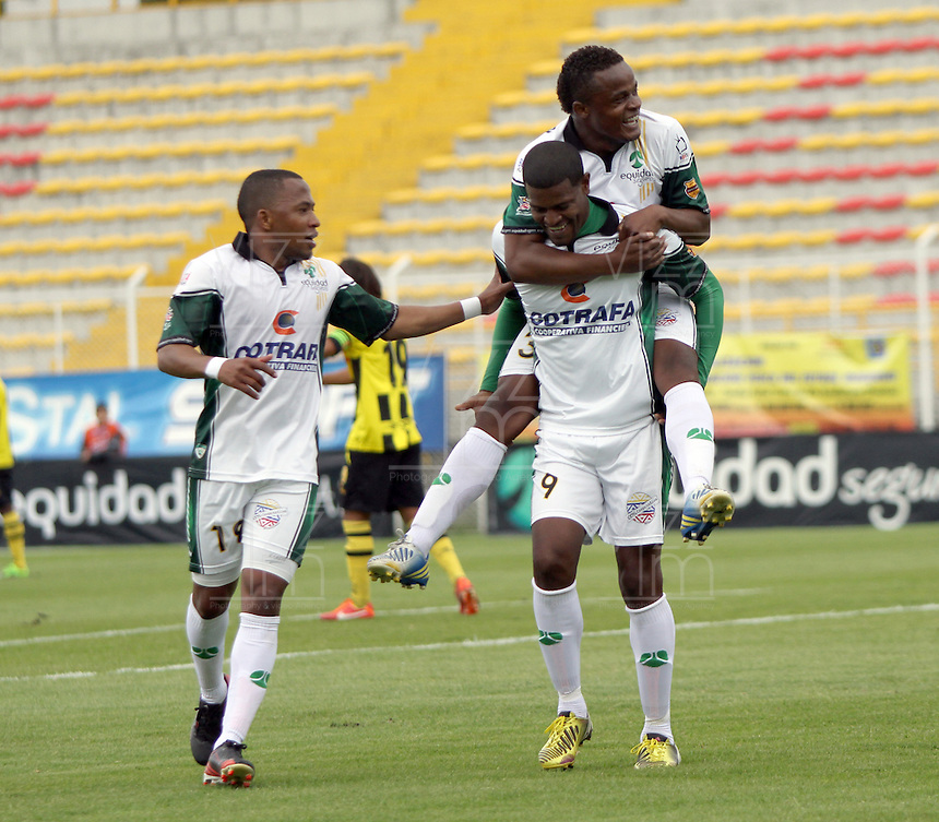 BOGOTA -COLOMBIA- 14 -09-2013. Jose Moreno  de La Equidad Seguros celebra su gol  contra Alianza Petrolera , partido correspondiente a la novena fecha de La Liga Postobon segundo semestre jugado en el estadio de Techo /  Jose Moreno of Insurance Equidad  celebrates his goal against Alianza Petrolera , game in the ninth round of La Liga Postobon second half played in the Techo  stadium   .Photo: VizzorImage / Felipe Caicedo / Staff
