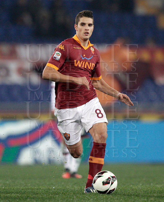 Calcio, Serie A: Roma vs Genoa. Roma, stadio Olimpico, 3 marzo 2013..AS Roma forward Erik Lamela, of Argentina, in action during the Italian Serie A football match between AS Roma and Genoa at Rome's Olympic stadium, 3 March 2013..UPDATE IMAGES PRESS/Riccardo De Luca