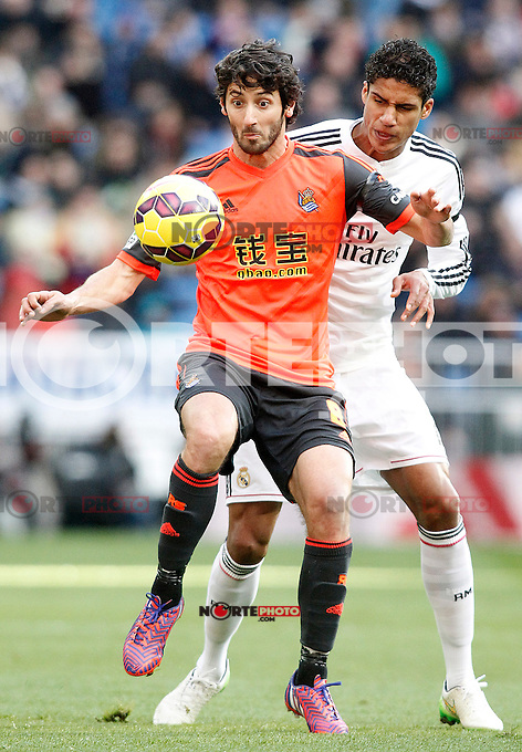 Real Madrid's Raphael Varane (r) and Real Sociedad's Esteban Granero during La Liga match.January 31,2015. (ALTERPHOTOS/Acero) /NortePhoto<br />