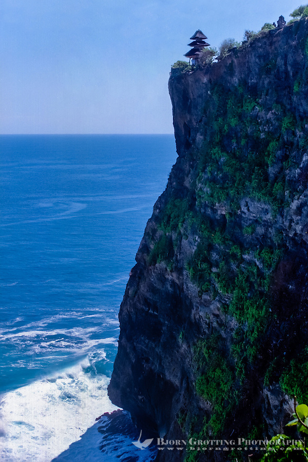 Bali, Badung, Uluwatu. Pura Luhur Uluwatu sits on the edge of a high cliff. Looking Northwest.
