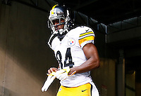 Antonio Brown #84 of the Pittsburgh Steelers takes the field against the Cincinnati Bengals during the game at Paul Brown Stadium on December 12, 2015 in Cincinnati, Ohio. (Photo by Jared Wickerham/DKPittsburghSports)