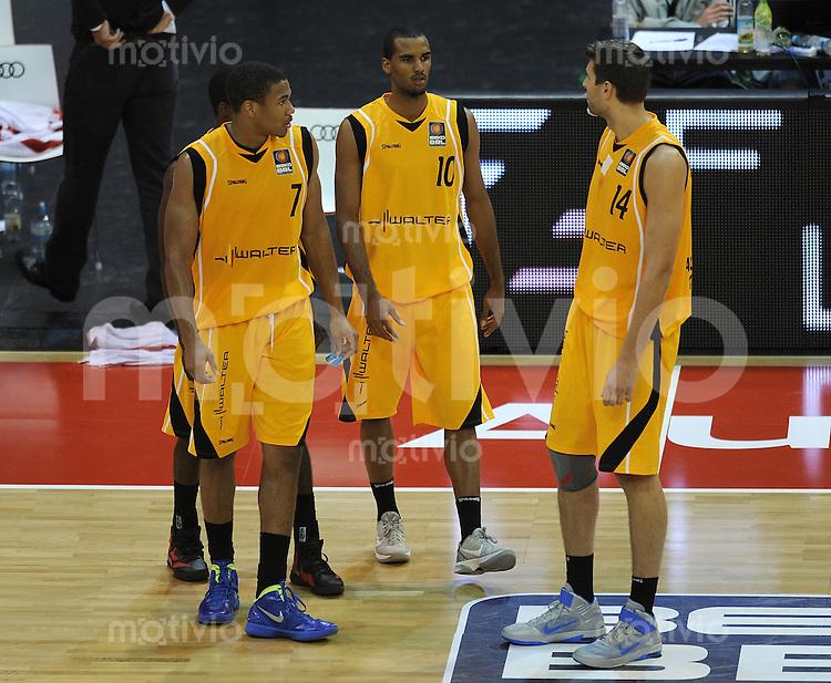 Basketball 1. Bundesliga  2010/2011  12.10.2011 FC Bayern Muenchen - Walter Tigers Tuebingen  Tyrone Nash , Akeem Vargas , Velimir Radinovic (v. li.Tigers)