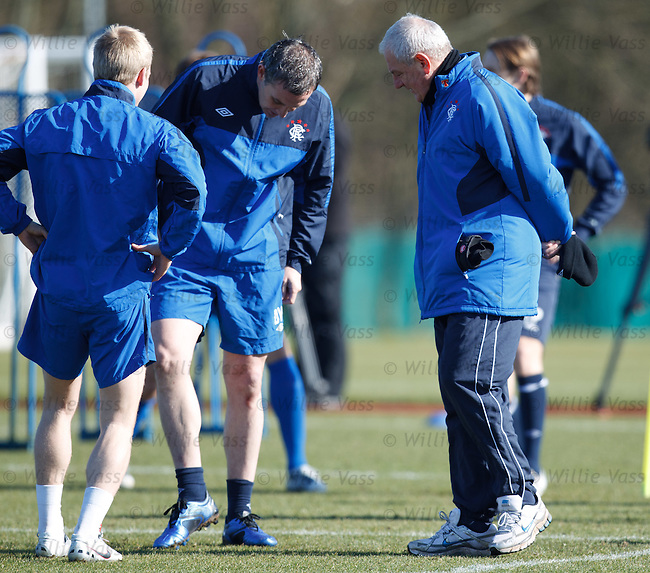 Walter Smith inspects his troops