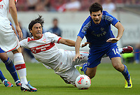 Fussball Europa League Play Offs:  Saison   2012/2013     VfB Stuttgart - Dynamo Moskau  22.08.2012 Shinji Okazaki (li, VfB Stuttgart) gegen Artur Yusupov (Dynamo Moskau)