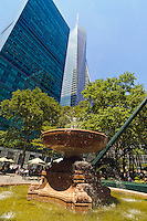 Bryant Park, privately-managed public park located Manhattan, fountain, New York City, New York, USA