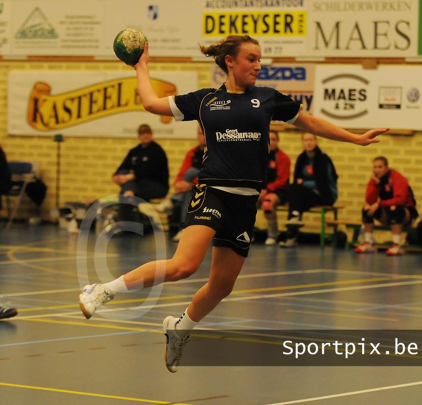 DHT Middelkerke - Izegem : Lisa Coucke.foto VDB / BART VANDENBROUCKE