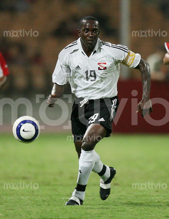 Fussball International WM Qualifikation Bahrain 0-1 Trinidad und Tobago Dwaight York (T-T) am Ball