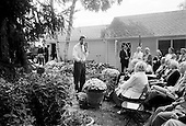 "Rochester, Minnesota.USA.September 8, 2004..Democratic Presidential hopeful Senator John Kerry speaks to a crowd in a neighborhood ""Front Porch"" talk, where he answers questions from local residents....."