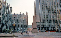 Philip Johnson & John Burgee: PPG Place, Pittsburgh 1979-1985. Northern entrance to the plaza from Market Square. Note: Intentional lace of seating. (5 1/2 acres, over 6 city blocks).  Photo '01.