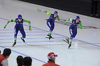 SPEEDSKATING: CALGARY: 14-11-2015, Olympic Oval, ISU World Cup, Team pursuit, Team NED, Antoinette de Jong, Marije Joling, Marrit Leenstra, ©foto Martin de Jong