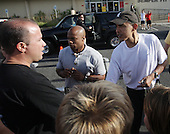 Honolulu, HI - December 26, 2008 -- United States President-elect Barack Obama greets well-wishers after his morning exercise at Marine Corps Base Hawaii Kaneohe Bay on Friday, December 26, 2008 in Honolulu, Hawaii. Mr. Obama and his family arrived in his native Hawaii December 20 with his family for the Christmas holiday. .Credit: Kent Nishimura - Pool via CNP