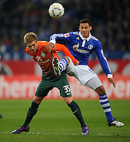 FUSSBALL   1. BUNDESLIGA   SAISON 2011/2012    17. SPIELTAG FC Schalke 04 - SV Werder Bremen                            17.12.2011 Florian Trinks (li, SV Werder Bremen)  gegen Jermaine Jones (ew, FC Schalke 04)