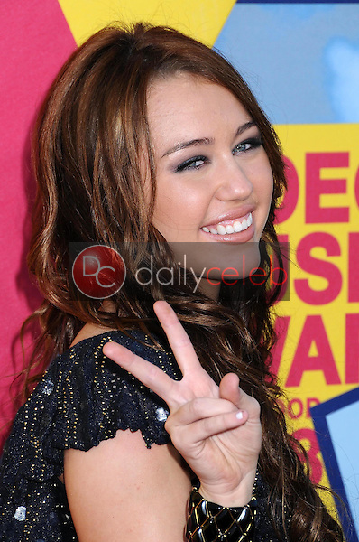 Miley Cyrus<br />at the 2008 MTV Video Music Awards. Paramount Pictures Studios, Los Angeles, CA. 09-07-08<br />Dave Edwards/DailyCeleb.com 818-249-4998