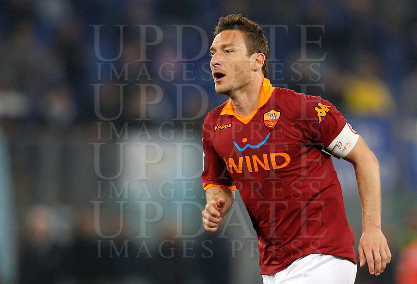 Calcio, Serie A: Roma vs Lazio. Roma, Stadio Olimpico, 8 aprile 2013..AS Roma forward Francesco Totti looks on during the Italian serie A football match between A.S. Roma  and Lazio at Rome's Olympic stadium, 8 april 2013..UPDATE IMAGES PRESS/Riccardo De Luca