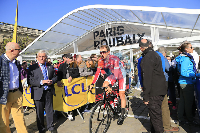 Dimitri Claeys (BEL) Cofidis at sign on for the 115th edition of the Paris-Roubaix 2017 race running 257km Compiegne to Roubaix, France. 9th April 2017.<br /> Picture: Eoin Clarke | Cyclefile<br /> <br /> <br /> All photos usage must carry mandatory copyright credit (&copy; Cyclefile | Eoin Clarke)