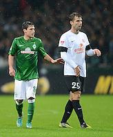 USSBALL   1. BUNDESLIGA    SAISON 2012/2013    10. Spieltag   Werder Bremen - FSV Mainz 05                             04.11.2012 Zlatko Junuzovic (li, SV Werder Bremen) und Andreas Ivanschitz (1. FSV Mainz 05)