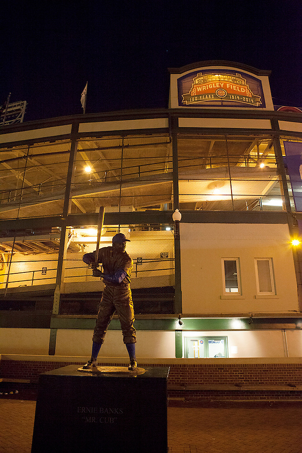 """Statue of Ernie Banks, Chicago """"Cub"""", Wrigley Field, Home of the Chicago Cubs Baseball Team, Chicago, Illinois, USA"""