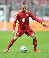FUSSBALL   1. BUNDESLIGA  SAISON 2011/2012   29. Spieltag FC Bayern Muenchen - FC Augsburg       07.04.2012 Franck Ribery (FC Bayern Muenchen) am Ball