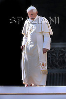 General audience Pope Benedict XVI  in St. Peter's Square at the Vatican.November 5, 2008