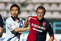 "Yuto Nagatomo (Inter), Gabriele Perico (Cagliari), APRIL 14, 2013 - Football / Soccer : Italian ""Serie A"" match between Cagliari 2-0 Inter Milan at Stadio Nereo Rocco in Trieste, Italy. (Photo by Enrico Calderoni/AFLO SPORT)"