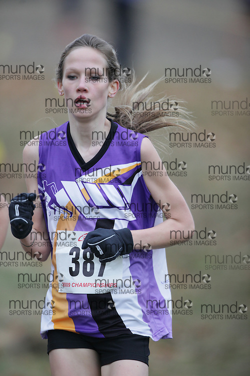 King City, Ontario ---09-11-15--- Jaclyn White of the London Western Track and Field competes at the Athletics Ontario Cross Country Championships in King City, Ontario, November 16, 2009..GEOFF ROBINS Mundo Sport Images