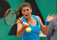Sorana Cirstea (ROU) against Alize Cornet (FRA) (21) in the second round of the Women's Singles. Cirstea beat Cornet 6-3 6-2..Tennis - French Open - Day 5 - Wed 28th May 2009 - Roland Garros - Paris - France..Frey Images, Barry House, 20-22 Worple Road, London, SW19 4DH.Tel - +44 20 8947 0100.Cell - +44 7843 383 012