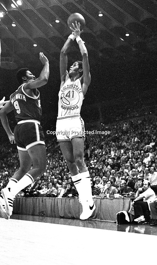 Warrior Jamaal Wilkes against the N.Y Nicks. (1974 photo /Ron Riesterer)