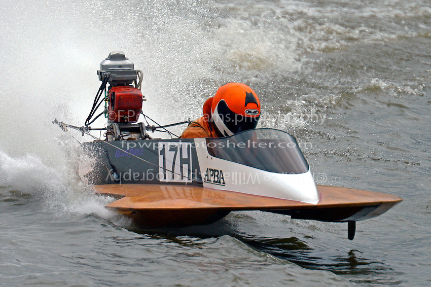 17-H   (Outboard Hydroplane)