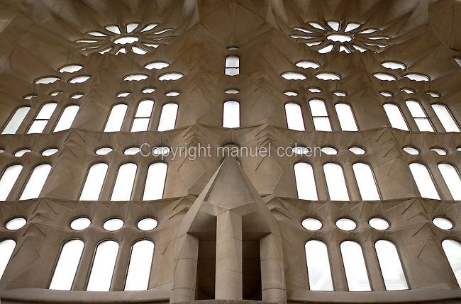 Interior rose windows, main entrance of the incomplete Glory Façade, considered as the most impressive front of the church by Gaudí. La Sagrada Familia, Barcelona, Catalonia, Spain, Roman Catholic basilica, built by Antoni Gaudí (Reus 1852 ? Barcelona 1926) from 1883 to his death. Picture by Manuel Cohen
