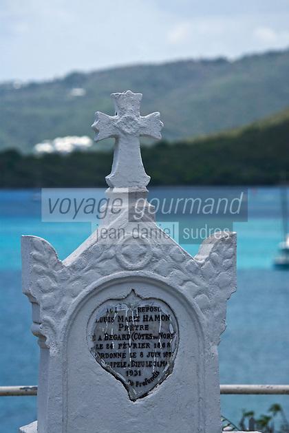 France/DOM/Martinique/ Sainte-Luce:  détail tombe du cimetière en bord de mer