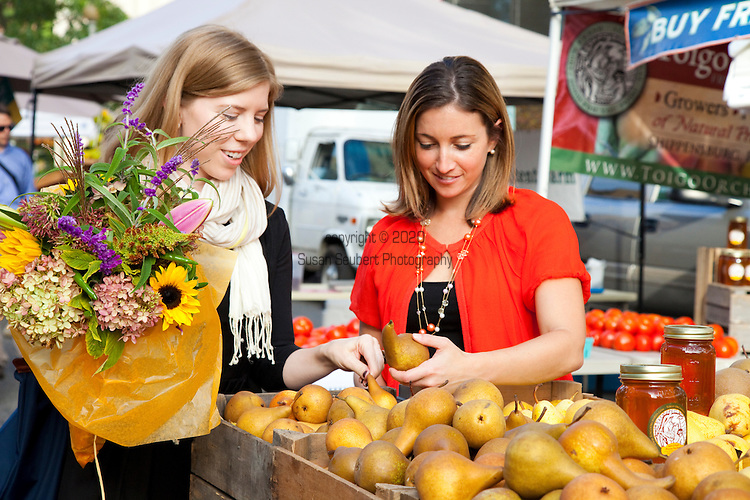 The Fresh Farmer's Market located just two blocks from the White House, was established in 2009 with a ribbon cutting ceremony by the First Lady, Michelle Obama.  The market features fresh flowers, artisan bread and cheese, local produce and more.