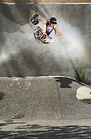 Mathieu Ledoux wallplant stunt on rollerblades