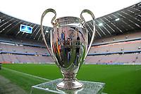 FUSSBALL   CHAMPIONS LEAGUE  VIERTELFINAL RUECKSPIEL   2011/2012      FC Bayern Muenchen - Olympic Marseille          03.04.2012 CHL Pokal in der Muenchner Allianz Arena