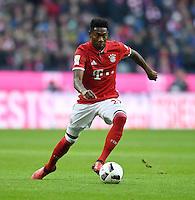 Fussball  1. Bundesliga  Saison 2016/2017  14. Spieltag  FC Bayern Muenchen - VfL Wolfsburg    10.12.2016 David Alaba (FC Bayern Muenchen) am Ball