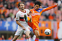 Joshua Kennedy (Grampus), Kazuhiko Chiba (Albirex), DECEMBER 3, 2011 - Football / Soccer : 2011 J.LEAGUE Division 1 final sec between Niigata Albirex 0-1 Nagoya Grampus at Niigata bigswan stadium in Niigata, Japan. (Photo by Yusuke Nakanishi/AFLO SPORT) [1090]