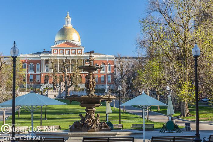 The Massachusetts State House on the Freedom Trail, Boston Common, Boston, Massachusetts, USA