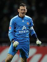 FUSSBALL   1. BUNDESLIGA   SAISON 2011/2012   23. SPIELTAG SV Werder Bremen - 1. FC Nuernberg                   25.02.2012 Torwart Raphael Schaefer (1. FC Nuernberg) jubelt nach dem Abpfiff