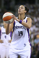 6 September 2006: Former Stanford basketball player and current Sacramento Monarch Nicole Powell during the 2006 WNBA Finals Game 4 against the Detroit Shock at Arco Arena in Sacramento, CA.