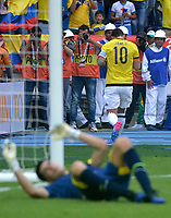 BARRANQUILLA - COLOMBIA -08-10-2015: James Rodriguez jugador de Colombia celebra después de anotar un gol a Bolivia durante partido de la fecha 13 para la clasificación a la Copa Mundial de la FIFA Rusia 2018 jugado en el estadio Metropolitano Roberto Melendez en Barranquilla. /  James Rodriguez  player of Colombia celebrates after scoring a goal to Bolivia during match of the date 13 for the qualifier to FIFA World Cup Russia 2018 played at Metropolitan stadium Roberto Melendez in Barranquilla. Photo: VizzorImage / Alfonso Cervantes / Cont