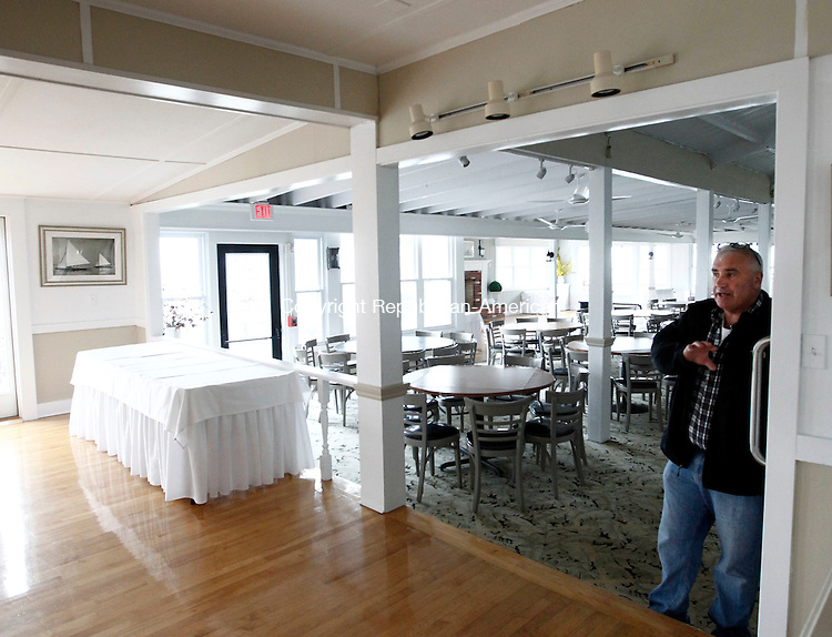 Woodbury, CT- 20 April 2014-042014CM06- Owner John Bloomquist talks about the banquet area inside the Owenego Inn along the Long Island Sound in Branford.   .   Christopher Massa Republican-American