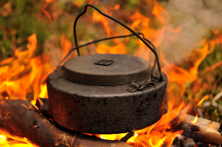 Kettle over fire, Kaffekjel over bål