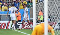 FUSSBALL WM 2014                VIERTELFINALE Frankreich - Deutschland           04.07.2014 Mats Hummels (re) bejubelt sein Tor zum 0:1 mit Thomas Mueller (li, beide Deutschland)