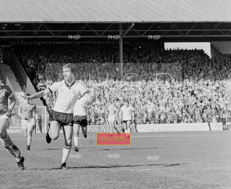 04/04/80 Blackpool v Barnsley League Divsion 3.....© Phill Heywood.