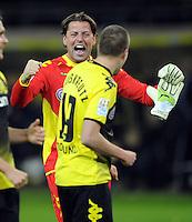 FUSSBALL   1. BUNDESLIGA   SAISON 2011/2012    14. SPIELTAG Borussia Dortmund - FC Schalke 04      26.11.2011 Kevin GROSSKREUTZ (vorn) und Torwart Roman WEIDENFELLER (hinten, beide Dortmund) jubeln nach dem Abpfiff