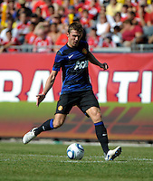 Manchester United midfielder Michael Carrick (16) passes the ball.  Manchester United defeated the Chicago Fire 3-1 at Soldier Field in Chicago, IL on July 23, 2011.