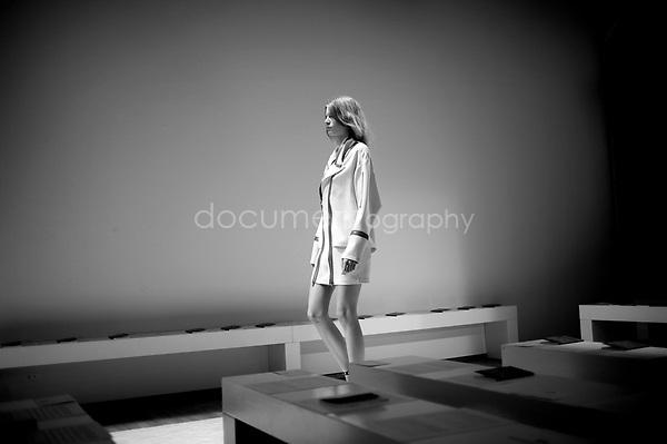 Backstage Felipe Oliveira Baptista fashion show Spring Summer 2012.
