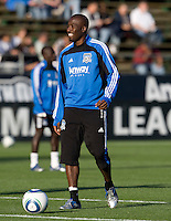 Cornell Glen of Earthquakes warms up during practice before the game against the Red Bulls at Buck Shaw Stadium in Santa Clara, California.  San Jose Earthquakes defeated New York Red Bulls, 4-0.