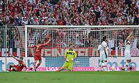 FUSSBALL   1. BUNDESLIGA  SAISON 2012/2013   2. Spieltag  02.09.2012 FC Bayern Muenchen - VfB Stuttgart       Tor zum 1-1 Ausgleich durch Thomas Mueller (li, FC Bayern Muenchen)